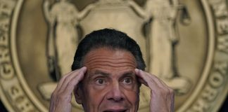 Cuomo sale de la gobernación de Nueva York
