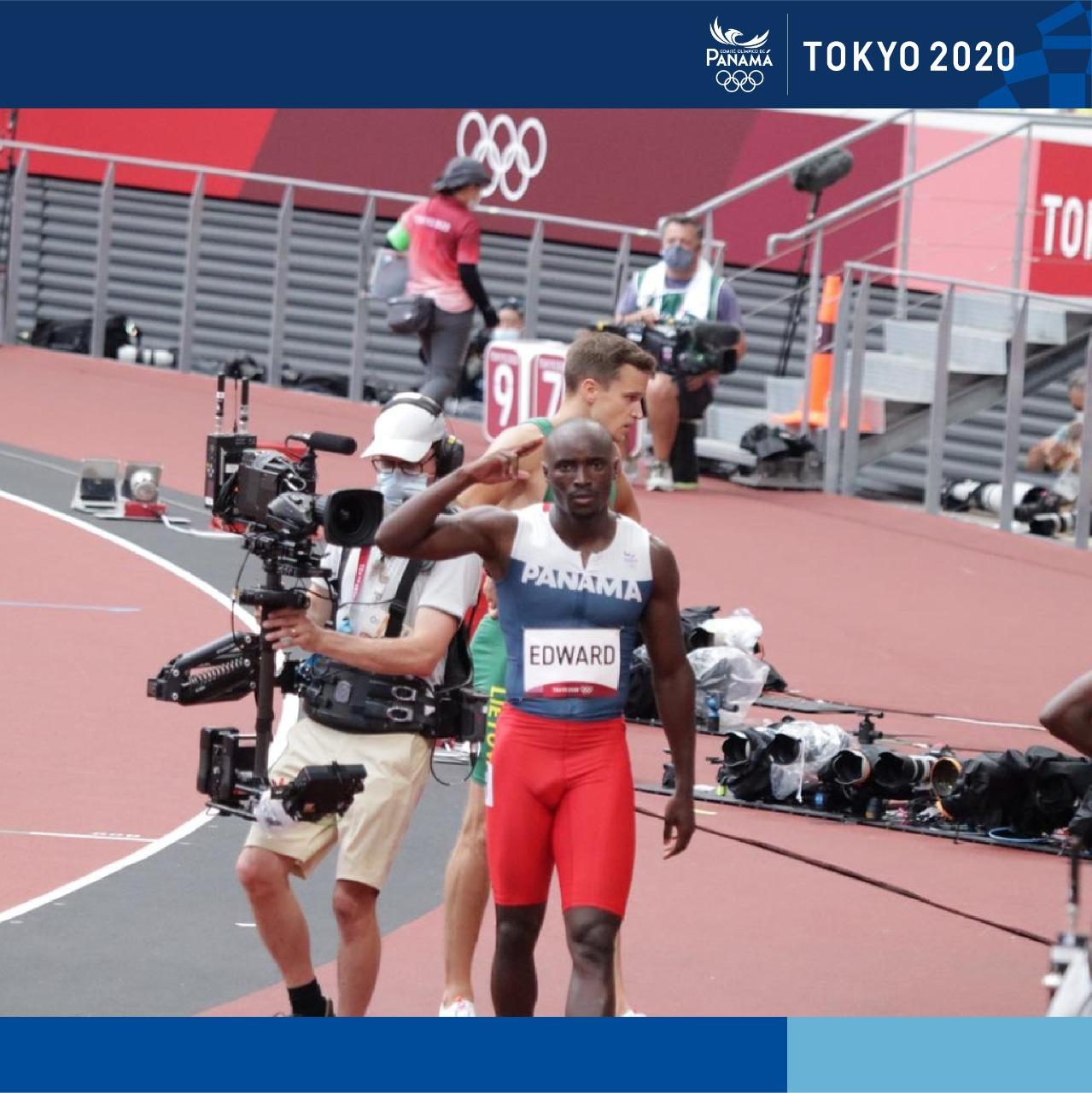 Alonso Edward clasifica a las semifinales de los 200 metros planos en las olimpiadas 2021