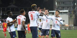 Inglaterra vence y se queda con el liderato del grupo I